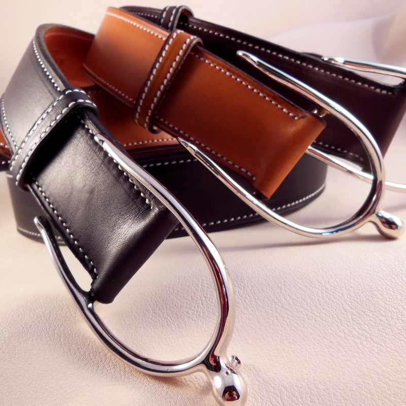 Gold and black Novo Nappa calfskin belts, with spur buckles 40mm