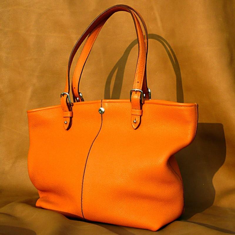 Shopping bag in orange bull-calf