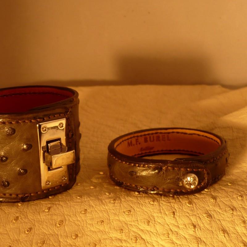 Bracelet autruche et bracelet bouton en autruche, gris